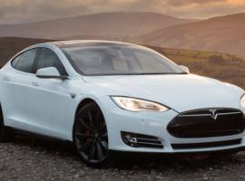 Tesla's autopilot saves Uber driver from crash