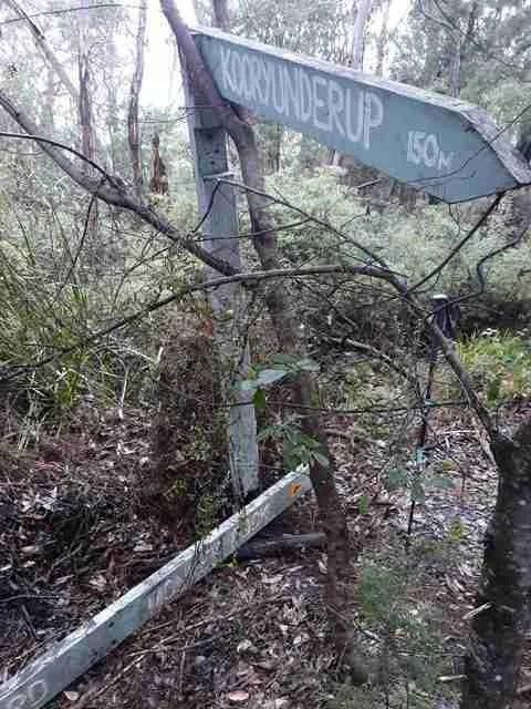poor trail signage