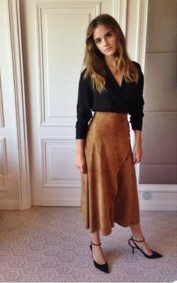 Emma Watson boho inspiration brown suede skirt and black top