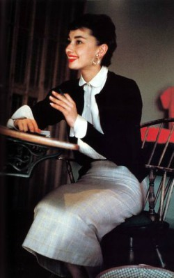 Audrey Hepburn work / for the office style grey pencil skirt and black cardigan - shop thee look