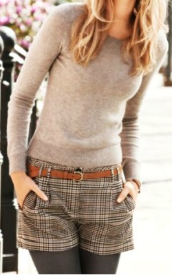 Light grey round neck cashmere jumper/ sweater worn with check shorts and tights - shop the look