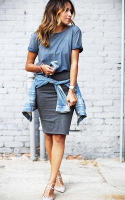 Girl in dark grey pencil skirt and t-shirt - 50 best pencil skirts