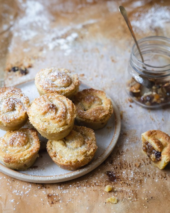 Viennese topped mince pies
