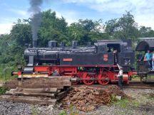 Hessencourrier Dampflokomotive im Juni