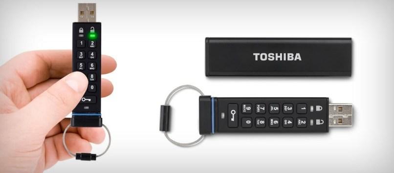 TOSHIBA_ENCRYPTED-USB-FLASH-DRIVE-1024x450