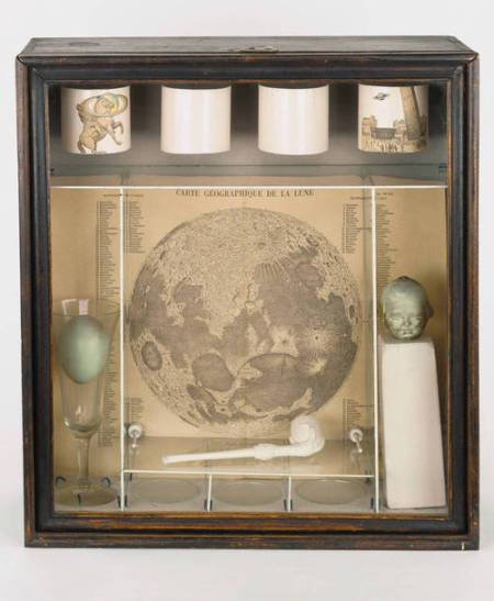Untitled (Soap Bubble Set), 1936 Box construction 15 3/4 x 14 1/4 x 5 1/2 inches (40 x 36.2 x 13.9 cm) Wadsworth Atheneum Museum of Art, Hartford, CT, Purchased through the gift of Henry and Walter Keney Photograph by Allen Phillips (Smithsonian American Art Museum and Peabody Essex Museum only) © The Joseph and Robert Cornell Memorial Foundation/Licensed by VAGA, New York, New York