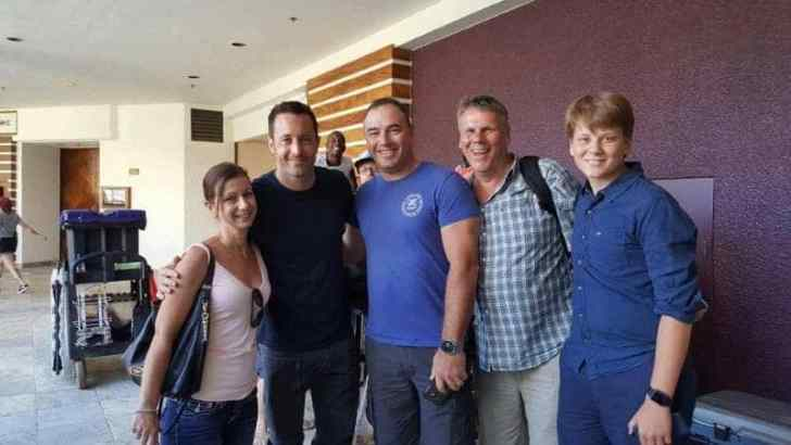 Alex O'loughlin with some fans