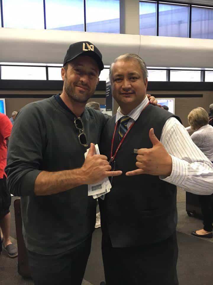 Alex O'Loughlin at San Francisco Airport
