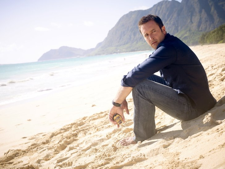 alex o'loughlin photo shoot