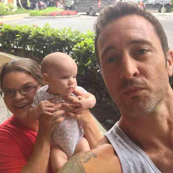 alex o'loughlin fan photo with baby