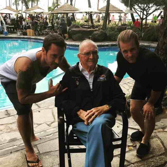 alex o'loughlin with pearl harbor veterans