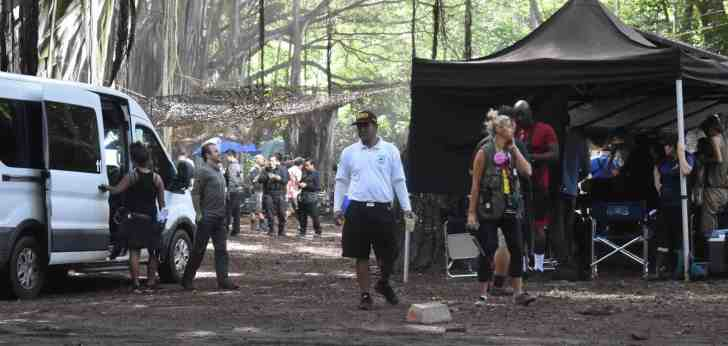 scott caan on location set