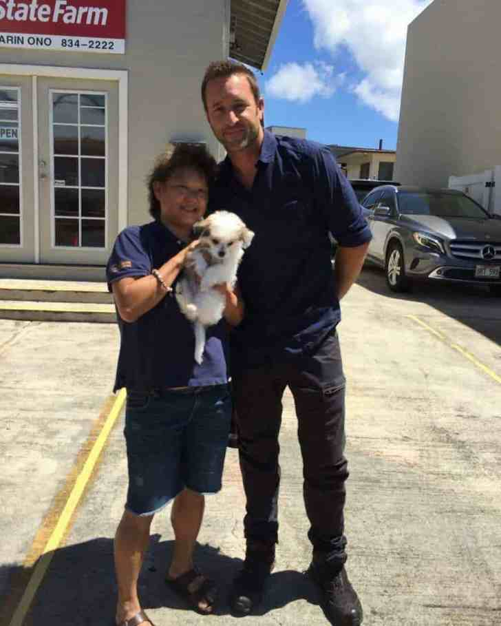 Alex O'Loughlin and puppy