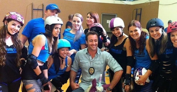 Alex O'Loughlin behind the scenes season 3