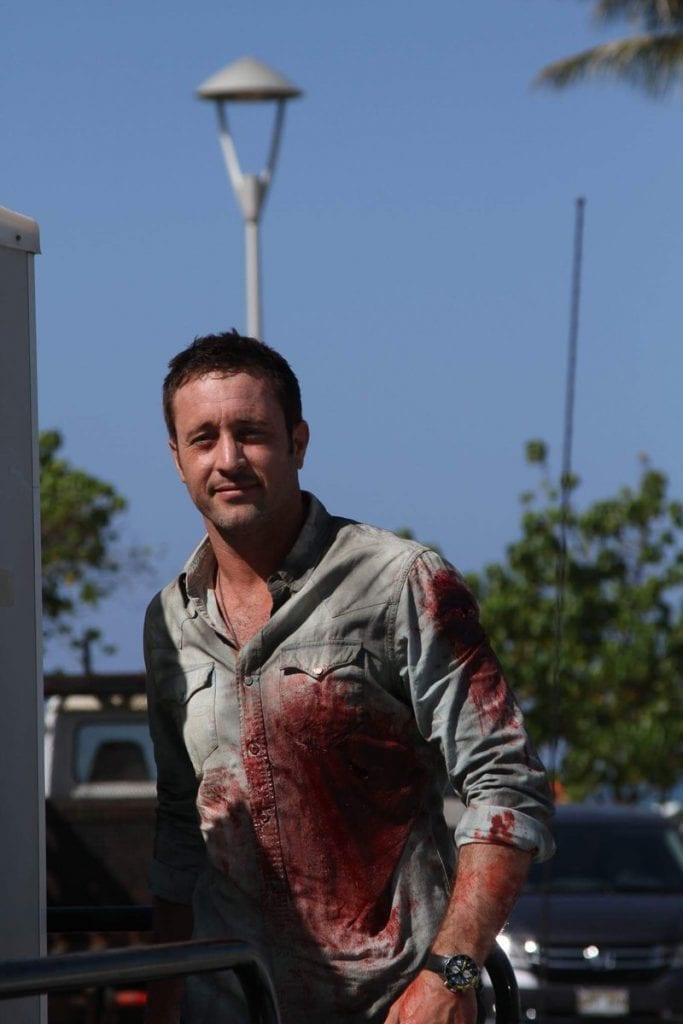 Alex O'Loughlin behind the scenes season 6
