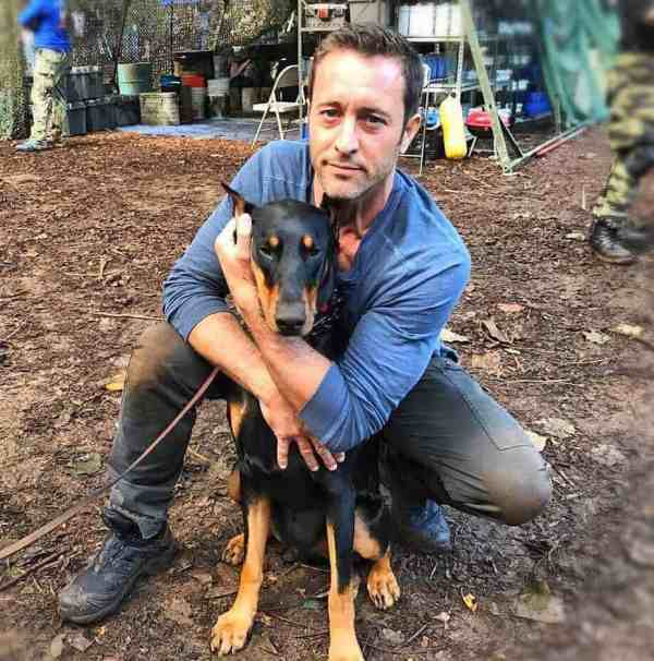 alex oloughlin behind the scenes