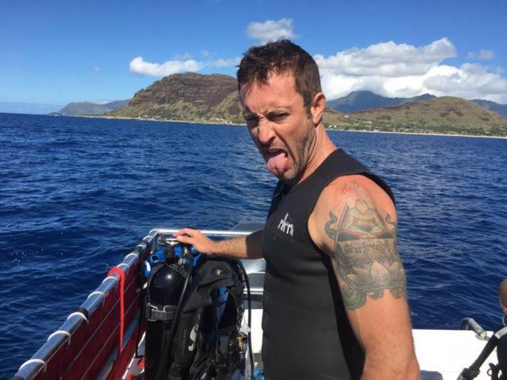 Alex o'Loughlin Scuba Diving