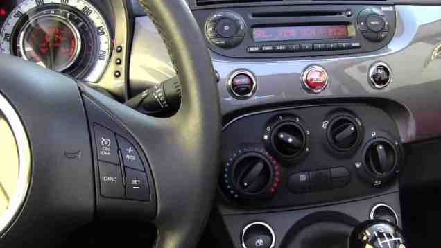 Quick Clips: 2011 Fiat 500c convertible