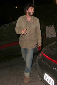 keanu-reeves-mystery-date-night-with-female-friend
