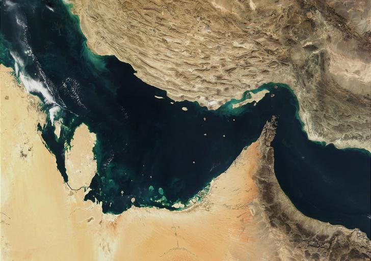 شطط سياسي على شواطئ الخليج العربي