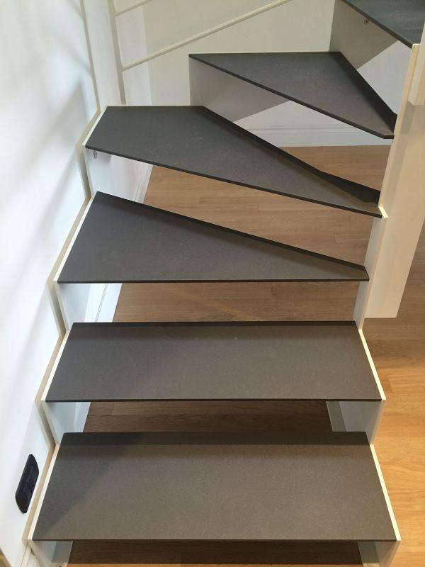 Scala interna con gradini in acciaio alfa scale - Scale gres porcellanato ...