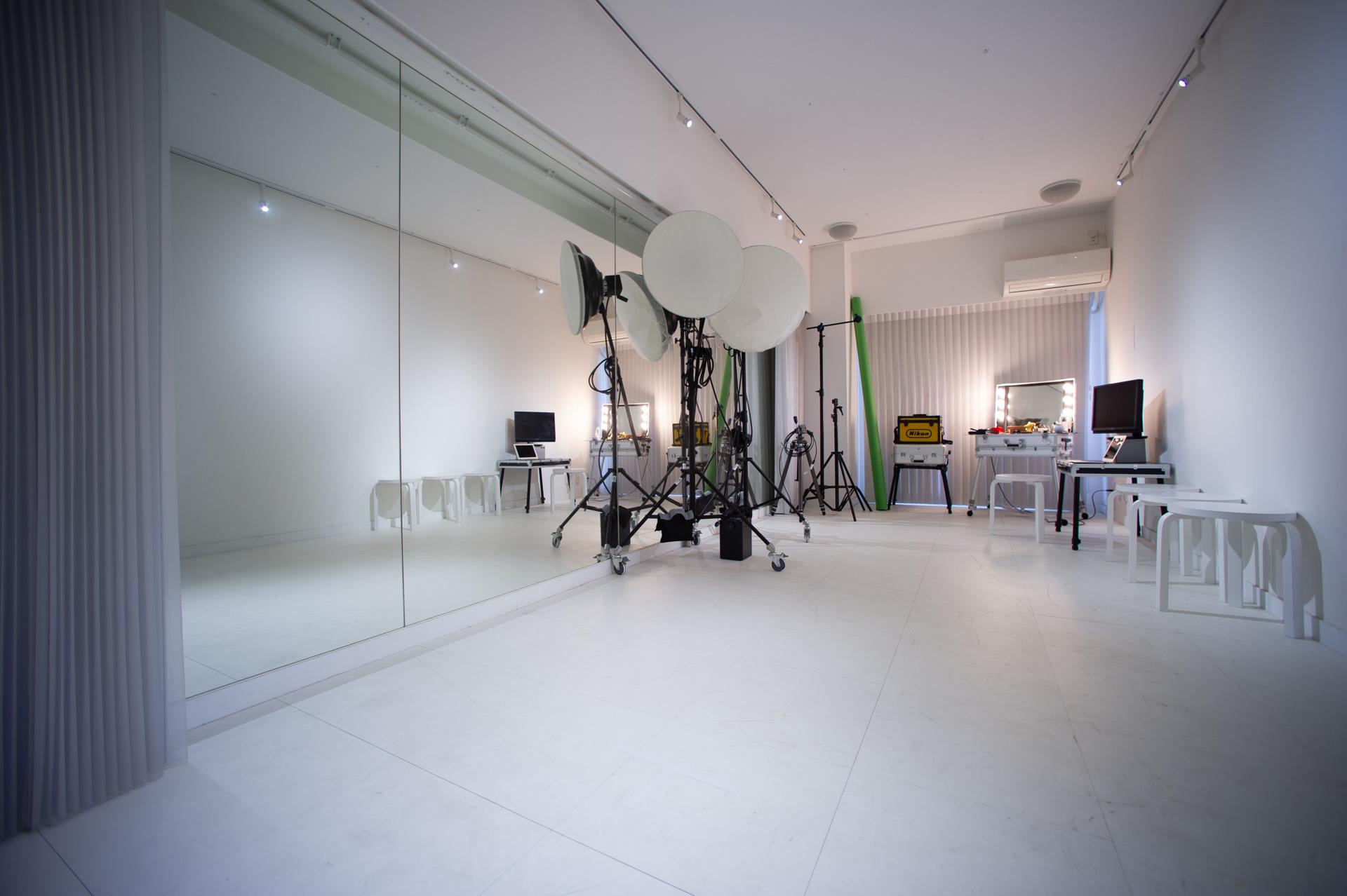 美しいスタジオポートレート写真をお届けします!