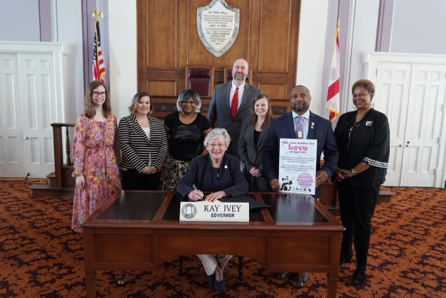 Governor signs proclamation for Parental Alienation