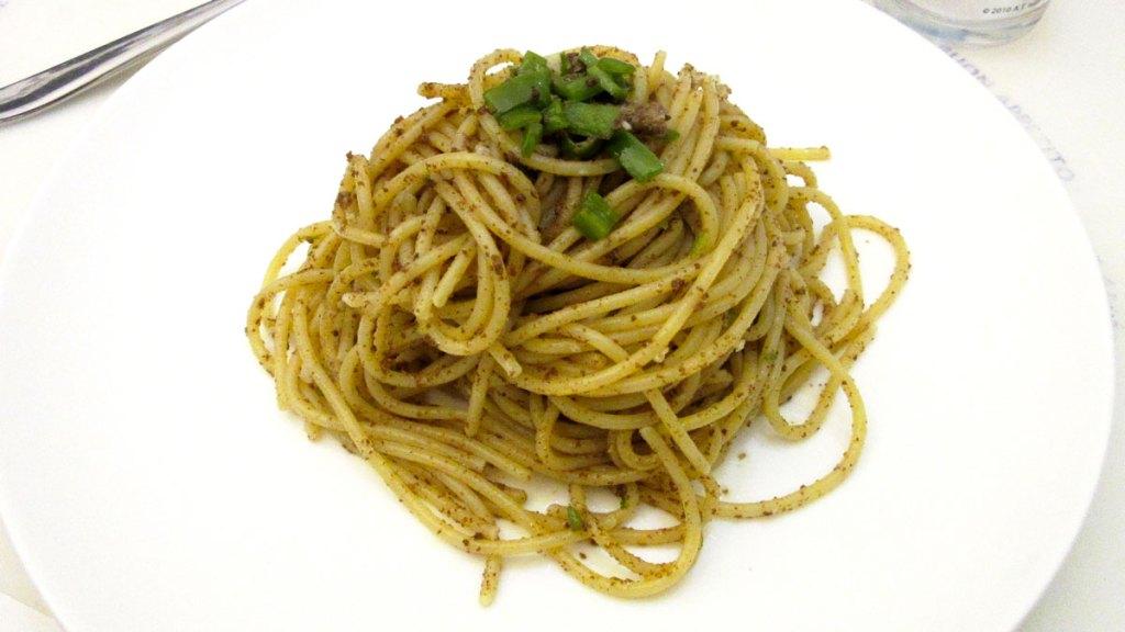 Spaghetti e bottarga (di tonno)