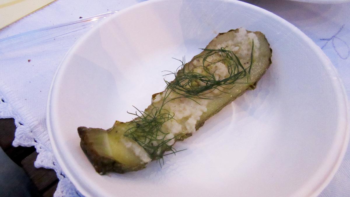 Zucchine marinate, rafano