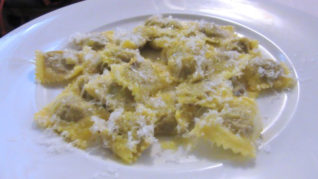 Ravioli di piccione con parmigiano e pepe