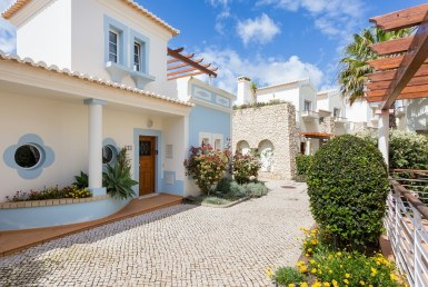 Luxury townhouse on championship golf course resort for rent