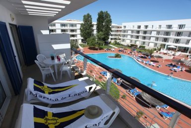 2-bedroom apartments in stunning location on the marina to rent