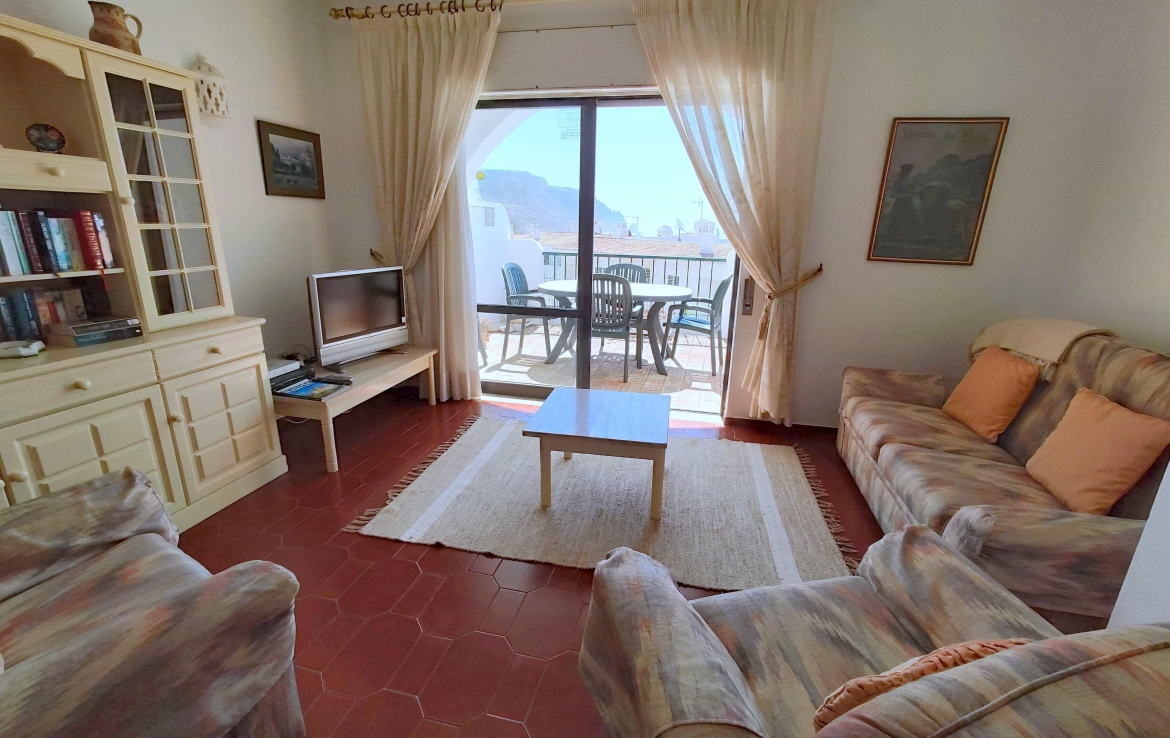 Traditional 2-bedrooms apartment in Luz to rent