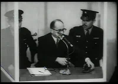 Fotografie făcută în timpul procesului lui Adolf Eichmann.  Foto: Wiki Commons.