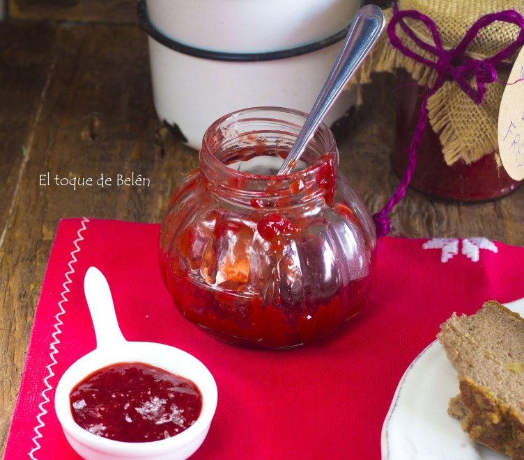 Mermelada de fresas al microondas (solo dos ingredientes)