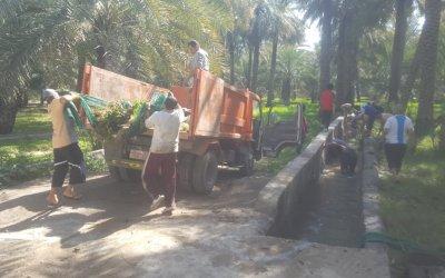 بجهود تطوعية، تنفيذ معسكر عمل لتنظيف مجرى ساقية الرس بـ #ولاية_الحمراء