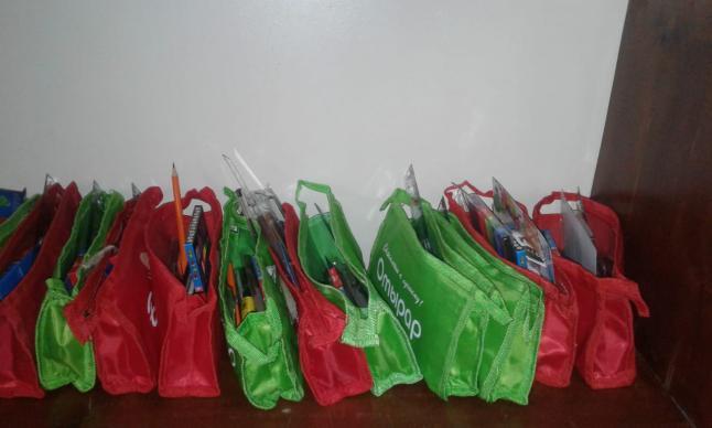 جمعية الحنان توزع 62 حقيبة مدرسية على الأيتام