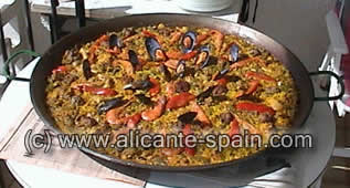 spanish paella in pan