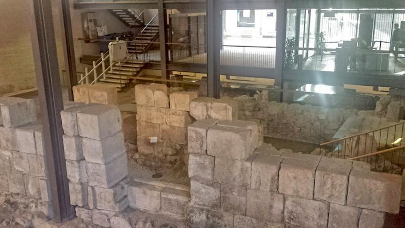 La ciudad descubierta. Restos arqueológicos en el Ayuntamiento de Alicante