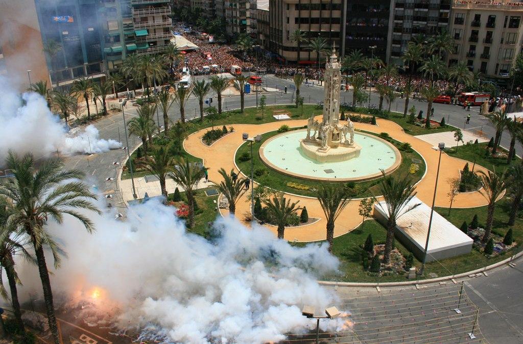 MASCLETÁ DE FIN DE AÑO el 31 de Diciembre en plaza de Los Luceros