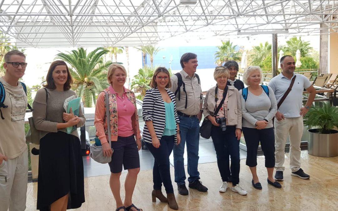 Mari Carmen Sánchez recibe a un grupo de periodistas náuticos internacionales para promocionar la ciudad de Alicante