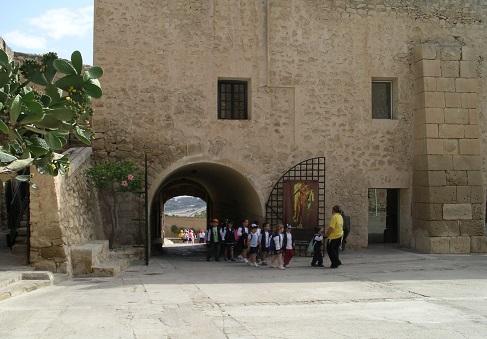 El Castillo de Santa Bárbara atenderá a los visitantes con un tercio de su aforo en aplicación de la normativa Covid-19