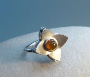 "Ring ""Anemone"""