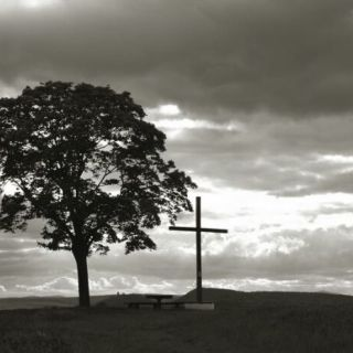 Kreuz am Abend