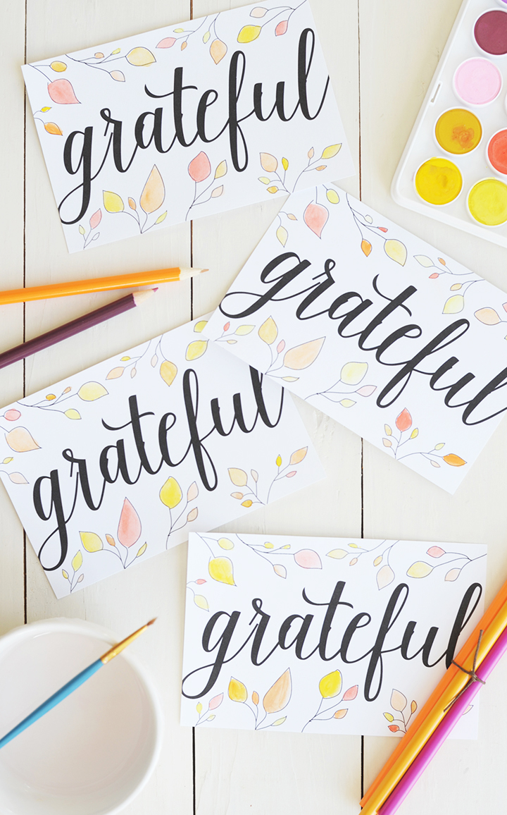 """Send your friends and family a note around Thanksgiving letting them know how thankful you are to have them in your life with these free printable """"Grateful"""" postcards."""