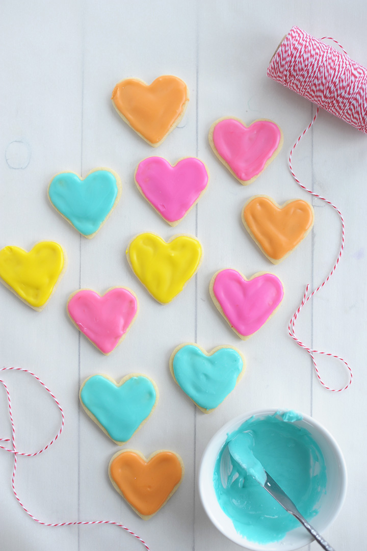 Such a fun idea for Valentine's Day - make these mini heart Valentine Sugar Cookies.