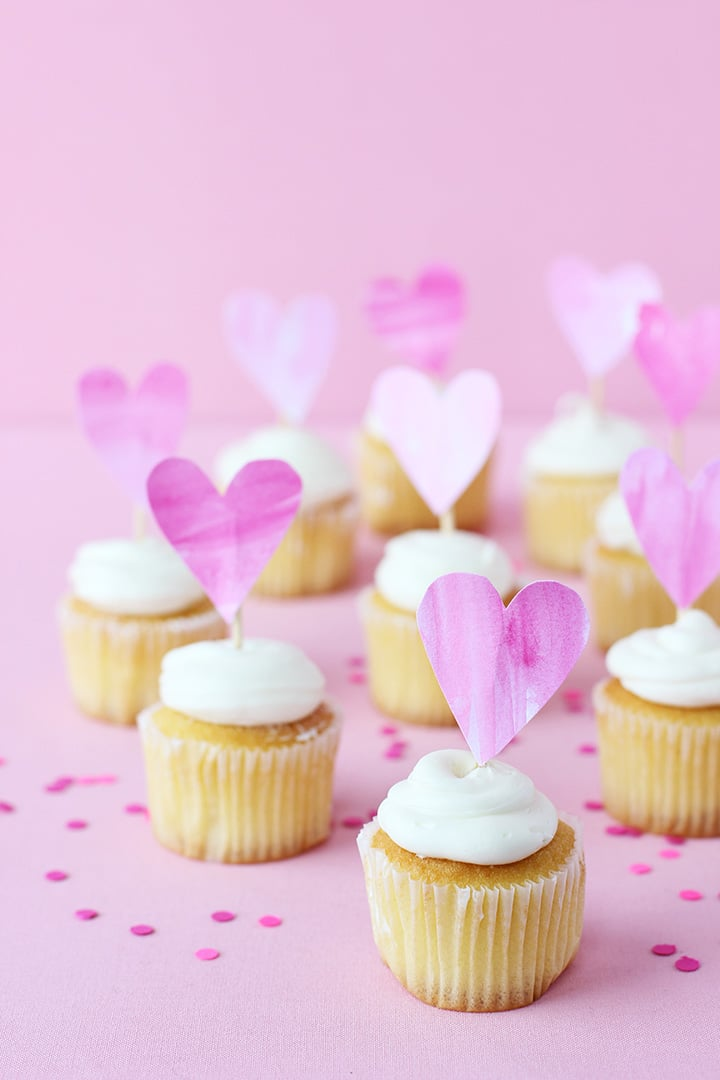Valentine\'s Cupcake Toppers