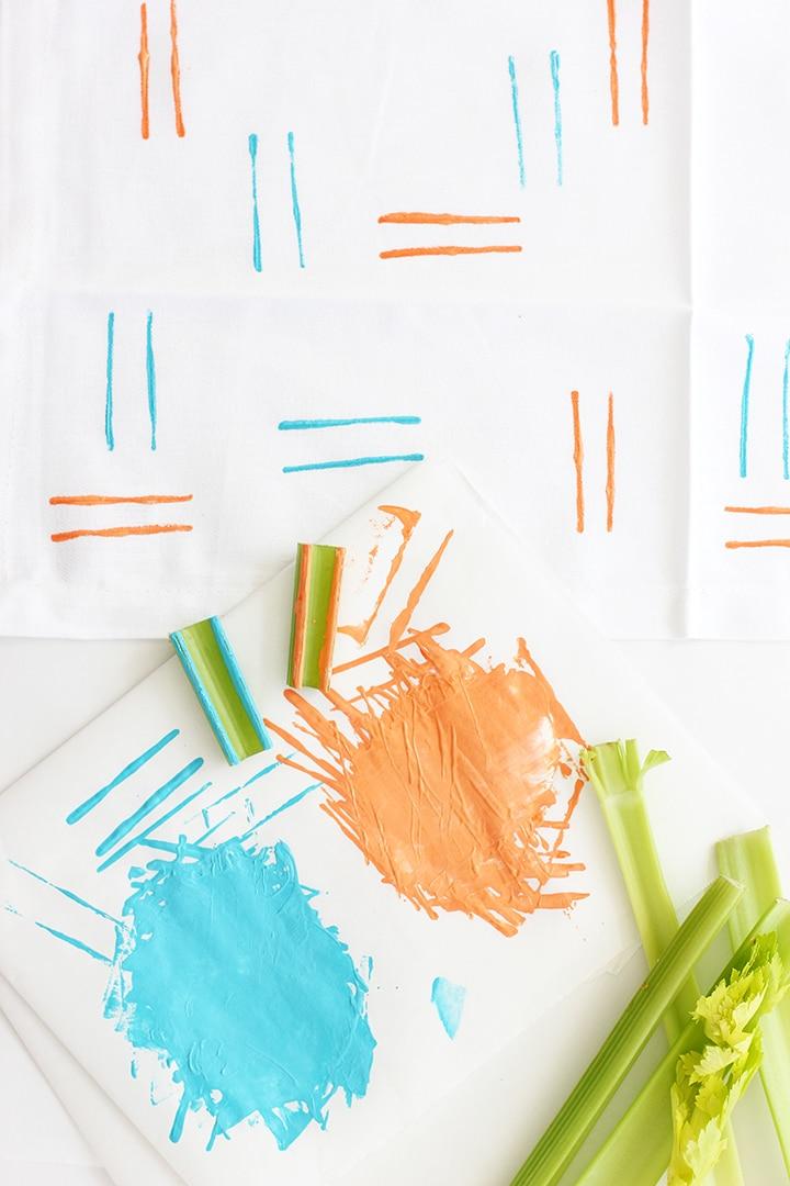 DIY Hand-stamped cloth napkins   alice & lois