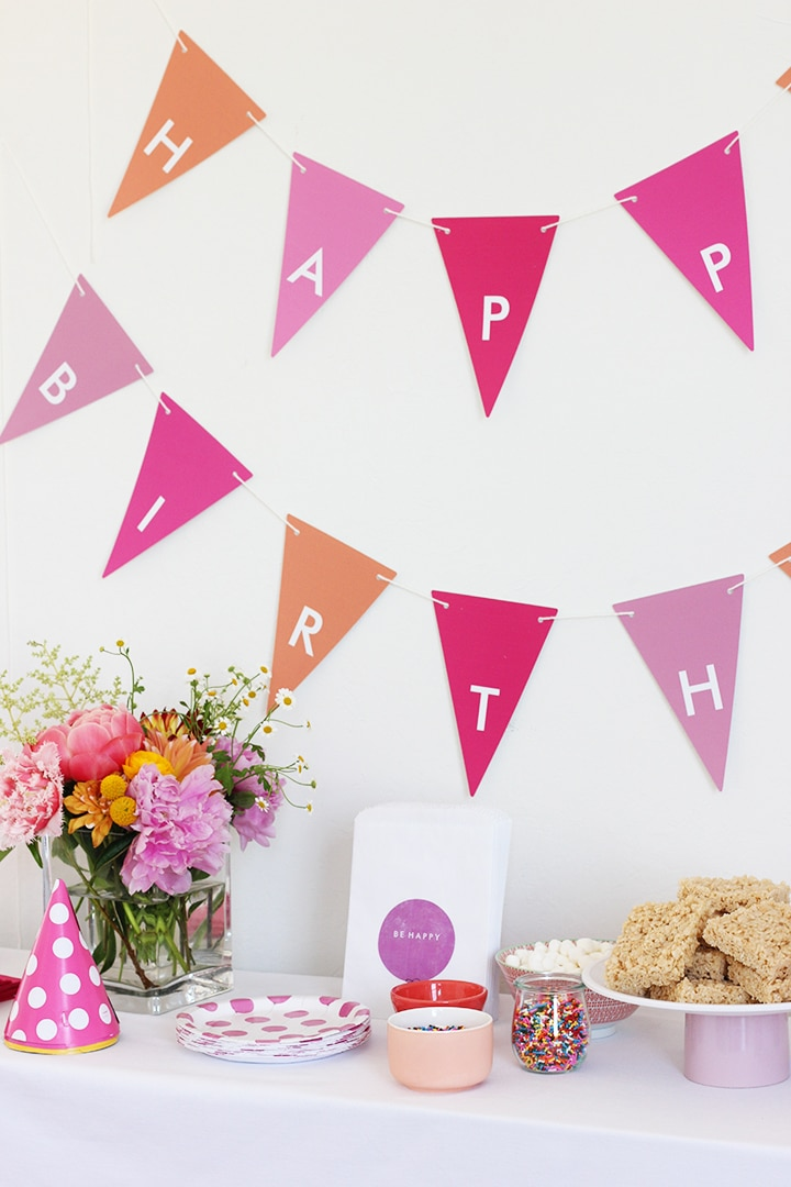 Birthday Party Banner and Treats - have the kids dip rice crispy treat in chocolate and decorate!