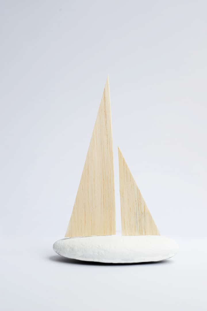 Make these DIY Modern Decorative Sailboats in four easy steps!
